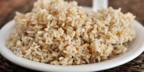 Comment faire cuire le riz brun en cuiseur à riz