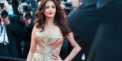 2 meilleures idées de maquillage pour votre robe d'or