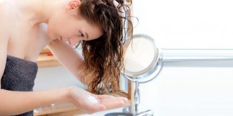 3 façons simples de faire une nuit Masques Coconut Cheveux Huile