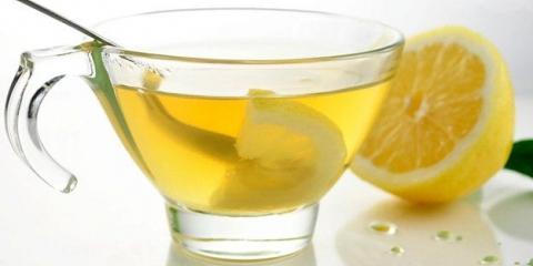 6 Avantages de l'eau potable de citron chaud le matin