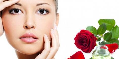 Remèdes d'acné avec l'eau de rose