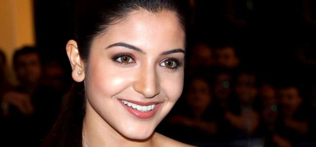 10 photos de Anushka Sharma sans maquillage