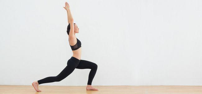 12 exercices de yoga pour obtenir votre cuisses et les hanches de forme. Black Bedroom Furniture Sets. Home Design Ideas
