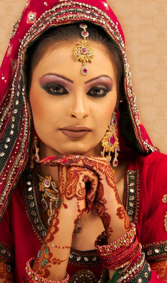 17 coiffures de mari e d 39 hiver pour les femmes indiennes. Black Bedroom Furniture Sets. Home Design Ideas