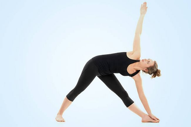 Triangle-Pose-Or-Trikonasana